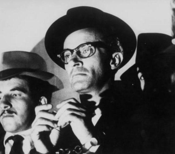 Από την ταινία του Ν. Κούνδουρου «Ο Δράκος», με πρωταγωνιστή τον Ντίνο Ηλιόπουλο (πρεμιέρα 5/3/1956)