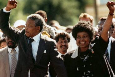 ο Νέλσον Μαντέλα απελευθερώνεται